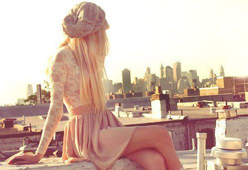 C'est une erreur de penser qu'on puisse �tre heureux en �tant seul.