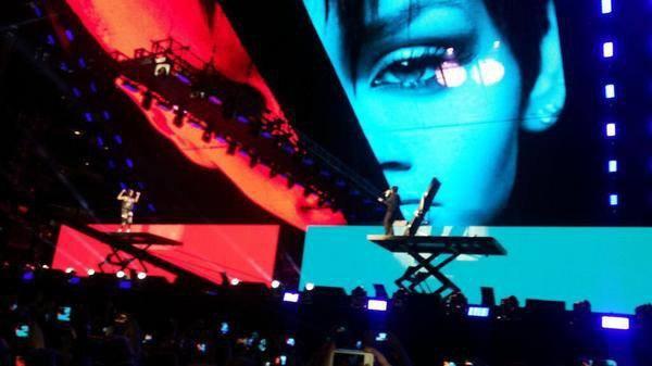 Les photos exclusives du Monster Tour - Eminem et Rihanna !