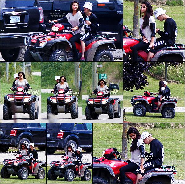 . 29/08/2014 - Les deux amoureux ont �t� vus faisant du Quad toujours � Toronto, Canada. .