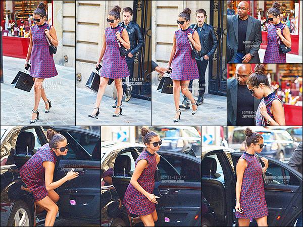 . 30/09/2014 -  La jeune S. Gomez a �t� aper�ue en train de faire du shopping dans les rues Paris. COT� TENUE: J'en suis fan, la petite robe que porte Selly est vraiment mignonne, de plus les lunettes de soleil et le chignon lui vont � ravir. Top!  .