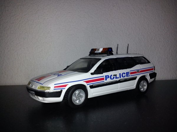 police nationale citroen xantia break blog de mesminispolice. Black Bedroom Furniture Sets. Home Design Ideas