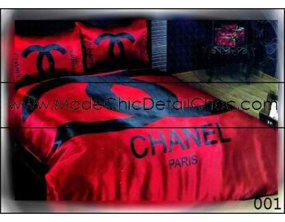 housse de couette chanel cc 120 mode chic d tail choc. Black Bedroom Furniture Sets. Home Design Ideas