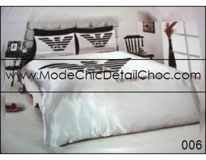 housse de couette armani 120 mode chic d tail choc. Black Bedroom Furniture Sets. Home Design Ideas