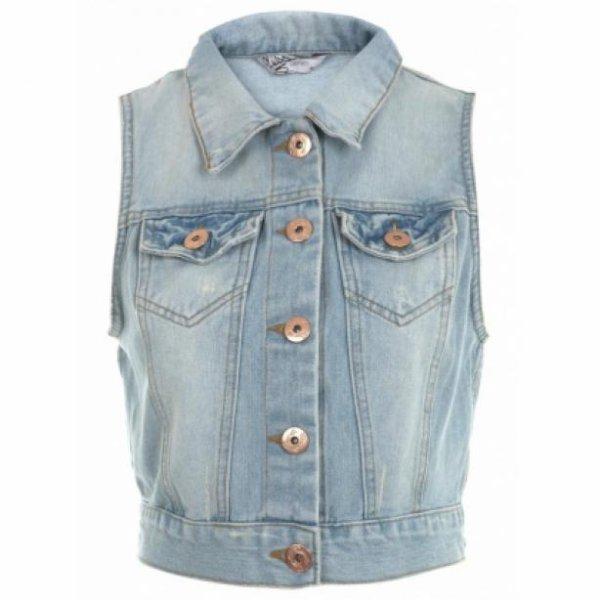 shopping osez la veste en jean sans manches de selena gomez news de stars. Black Bedroom Furniture Sets. Home Design Ideas