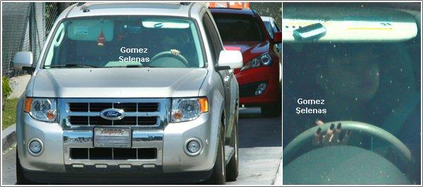 *   → D�couvrez la pochette du nouvel album de Selena Gomez : Stars Dance++Tu aimes?*