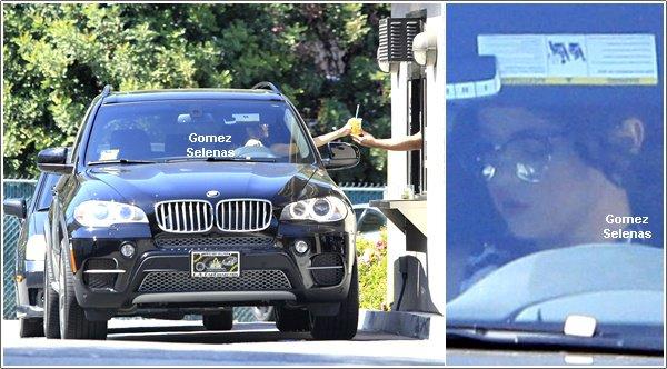 *   15.06.13 - Selena G. qui a chang� de voiture, se rendant chez un ami � Los Angeles.*