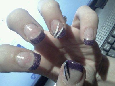 Ongle gel french violette pailette deco liner blan noir et paillette strass blog de - Deco ongle paillette ...