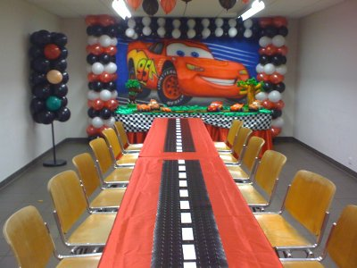 th me cars decoration anniversaire. Black Bedroom Furniture Sets. Home Design Ideas