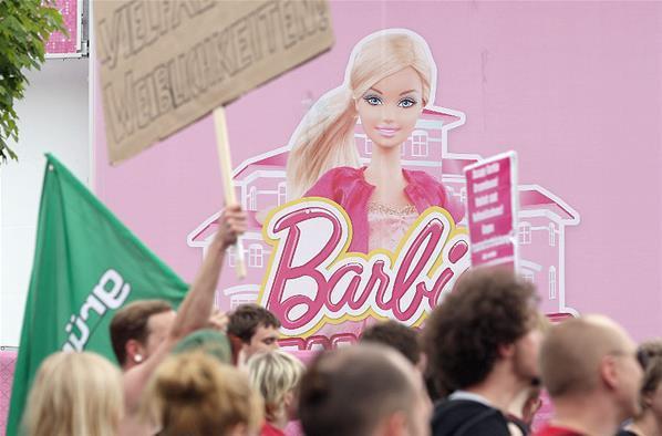 Berlin la maison de barbie grandeur nature a ouvert ses portes blog de sab - Barbie grandeur nature ...