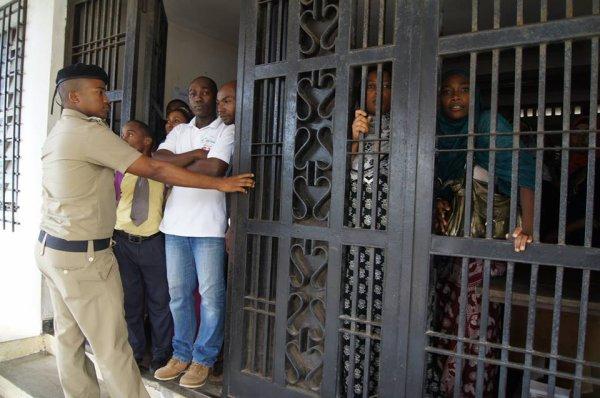 Comores: Sit-in au Commissariat � l'Education de Ngazidja