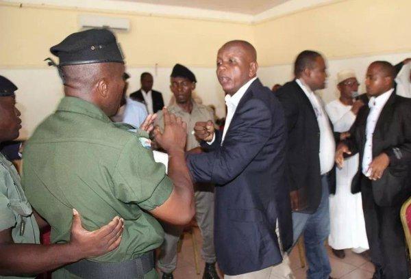 Blocage du vote par les �lus Juwa et de la liste de Ali Mze !