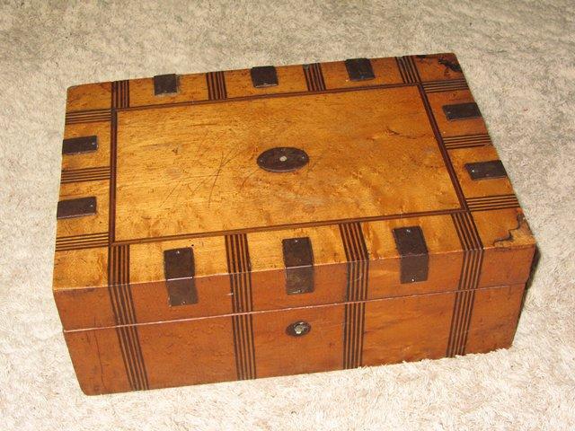 Ancienne boite a couture bijoux en bois xix eme antique for Boite couture bois ancienne