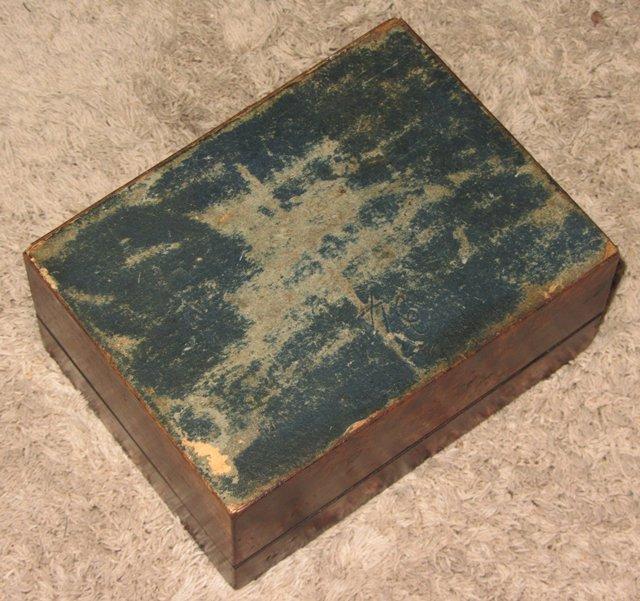 Ancienne boite a couture bijoux en bois noyer antique for Boite couture bois ancienne