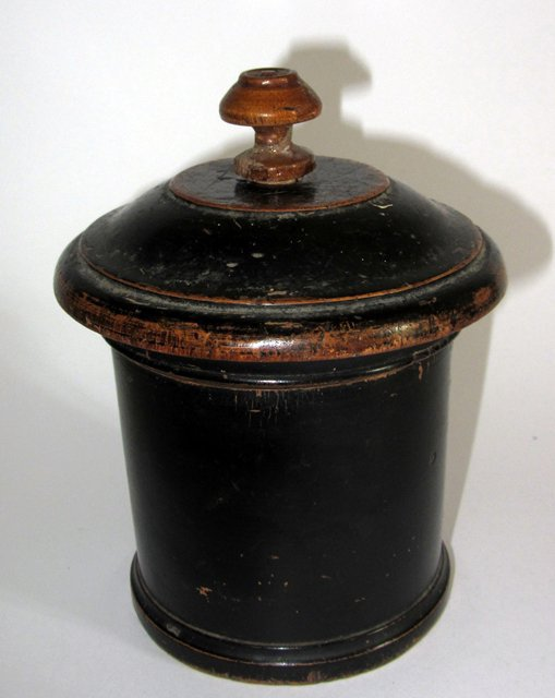 Ancien pot boite a tabac tabatiere en bois tourne napoleon for Fenetre a tabatiere