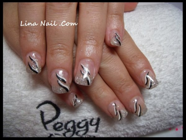 pose capsule gel uv french paillett nail art noir et blanc lina nail proth siste ongulaire. Black Bedroom Furniture Sets. Home Design Ideas