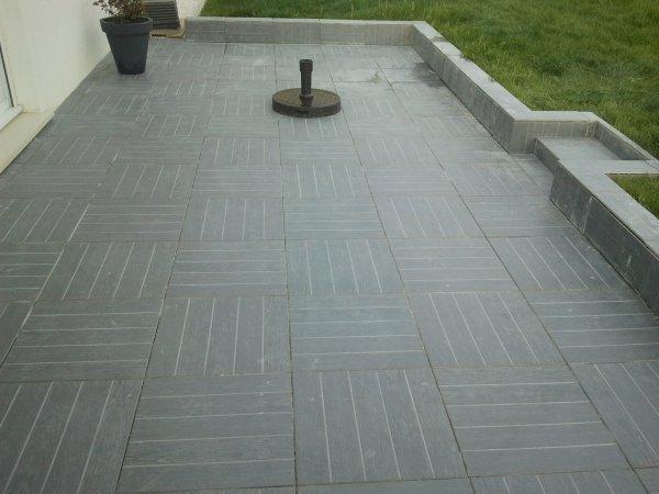 3 mai 2013 mise en place carrelage de la terrasse notre maison phenix. Black Bedroom Furniture Sets. Home Design Ideas