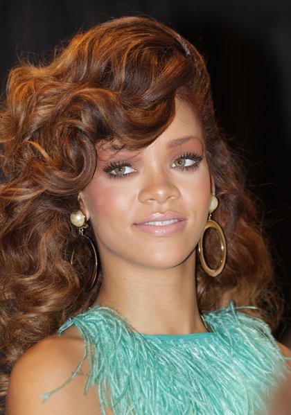 Rihanna insulte une fan sur twitter blog de robynrihannafenty 622 - Rihanna poids taille ...