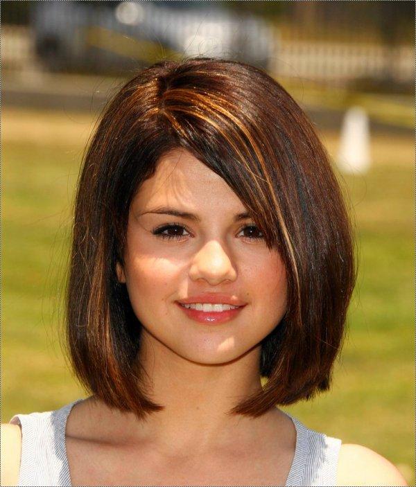 Selena gomez nouvelle coupe blog de onlystars3107 - Coupe carre plongeant pour petite fille ...