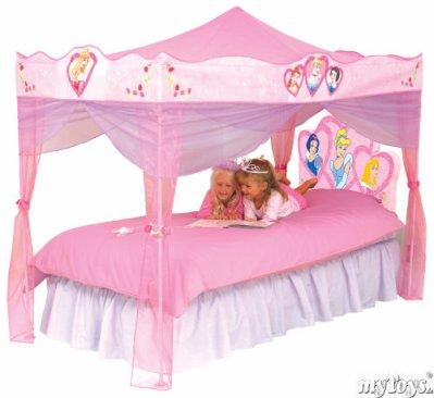 Le lit des princesse cynthiakelyssa - Chambre de princesse pour petite fille ...