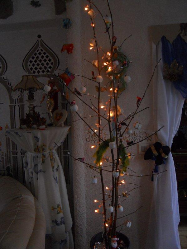 deco india plateaux et deco sur coussin arbre lumiere blog de creationsissi. Black Bedroom Furniture Sets. Home Design Ideas