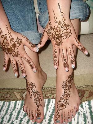 Motif pour mains et pieds avec le meme dessin c beau non motifs pour tatouage au henne et - Dessin de henne pour les mains ...