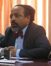 Le ministre Fahmi vis� par un projet de r�vocation