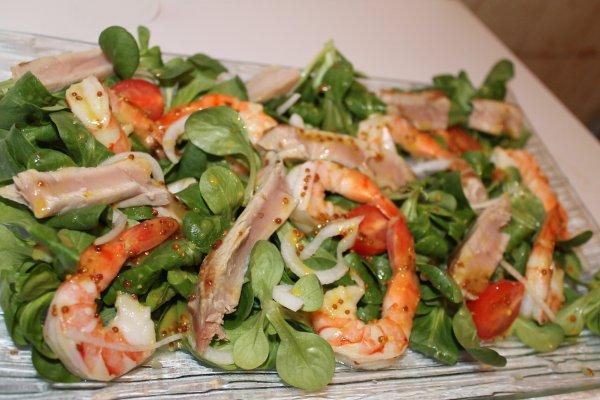 salade thon frais crevette avocat sauce miel moutarde ma ptite cuisine by ptiteval85. Black Bedroom Furniture Sets. Home Design Ideas