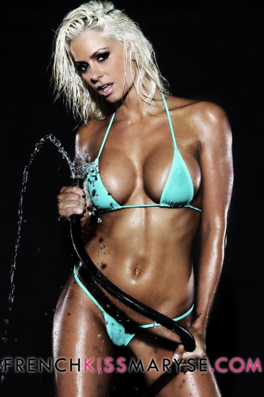 female ripped naked abs