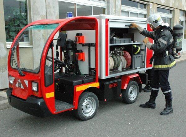v hicule lectrique pompier pompiers industriels. Black Bedroom Furniture Sets. Home Design Ideas