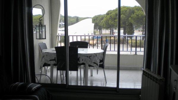terrasse 8m2 couverte mais non ferm e tr s agr able baie vitr e double vitrage appartement. Black Bedroom Furniture Sets. Home Design Ideas