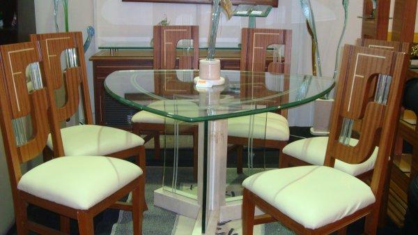 Mesa de comedor vidrio triangulo base mariposa cristal for Comedores redondos de cristal