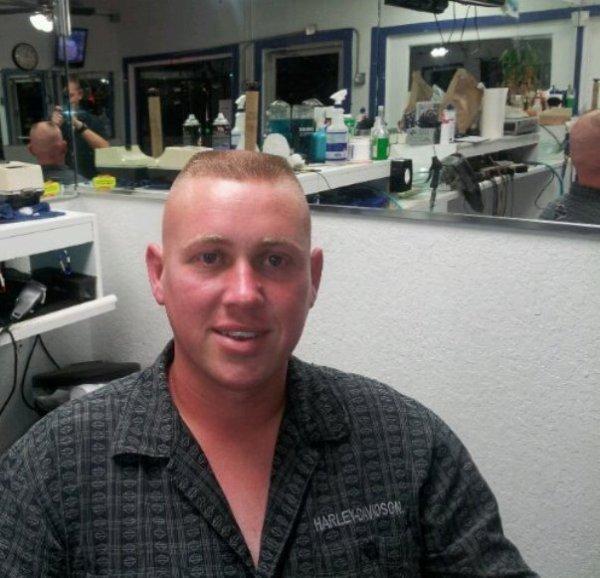 Une brosse de mec faite chez le coiffeur