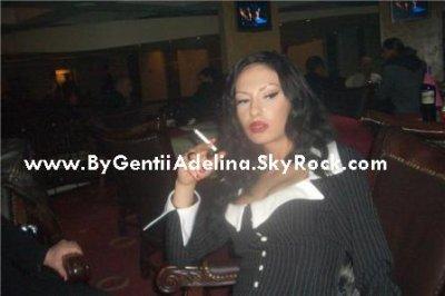 Adelina Ismaili per Xhirimet E Vitit Te Ri 2009 Ne Rtv21 me Kengen
