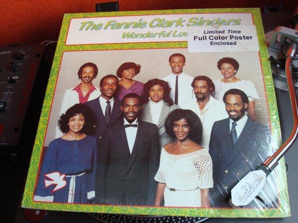 """THE FANNIE CLARK SINGERS """"wonderful love"""" LP...un morceau excellent!"""