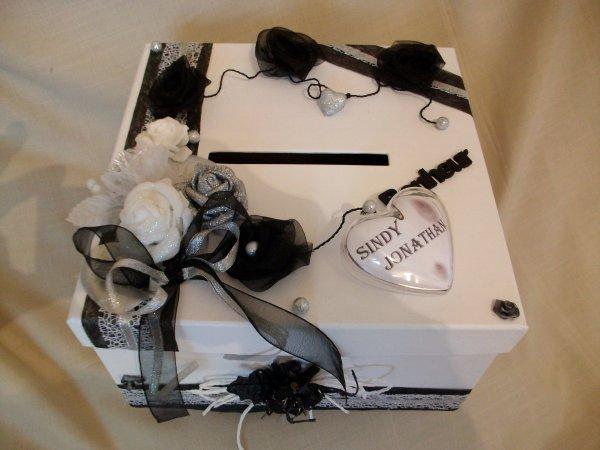 urne mariage blanc noir gris la copie n 39 est pas un art l 39 imitation. Black Bedroom Furniture Sets. Home Design Ideas