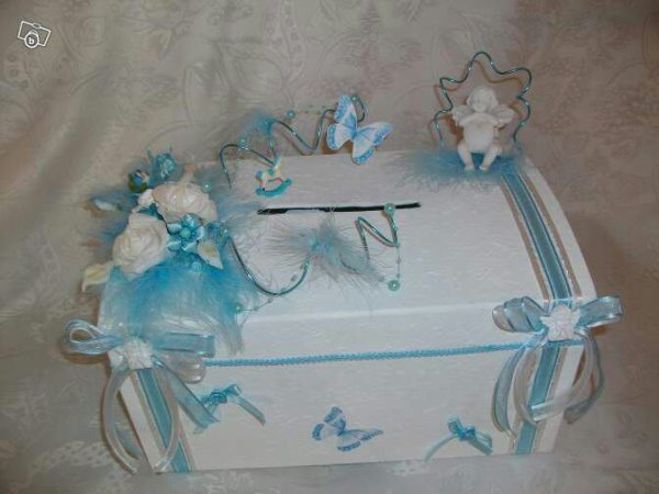 Urne baptême, mariage blanc bleu ciel -
