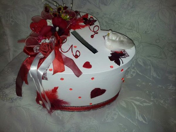 urne de mariage blanc rouge bordeaux la copie n 39 est pas un art l 39 imitation. Black Bedroom Furniture Sets. Home Design Ideas
