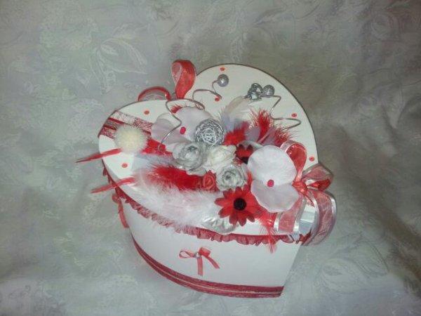 urne de mariage blanc rouge la copie n 39 est pas un art l 39 imitation. Black Bedroom Furniture Sets. Home Design Ideas