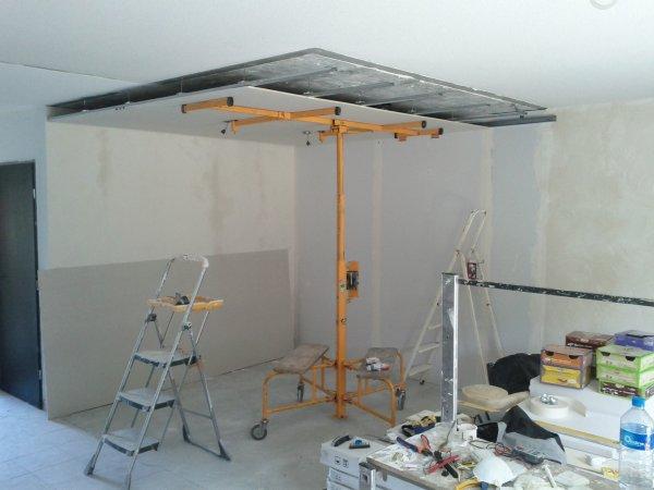 Faux plafond et cuisine voyagevoyage for Carrelage au plafond