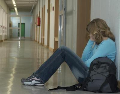 une fille de 13ans violer par 4garson blog des victime des jeunes. Black Bedroom Furniture Sets. Home Design Ideas