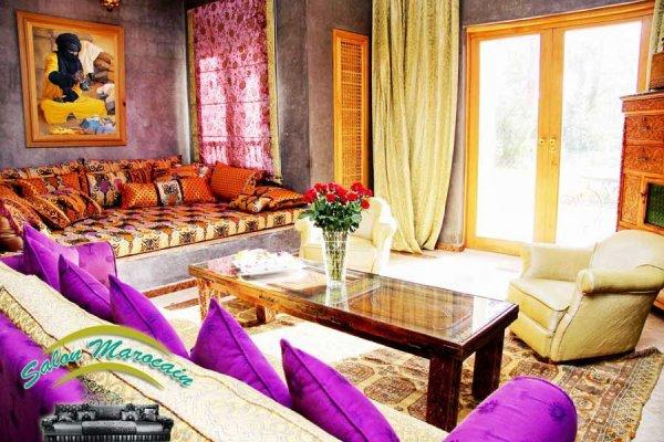 Salon marocain vaste villa top salons morocain for Decoration villa marocaine