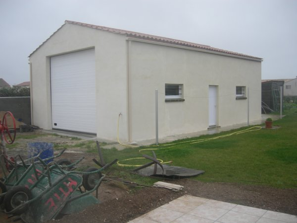 mur de cloture entree pour portail et portillon en parpaing enduit garage renovation en tout. Black Bedroom Furniture Sets. Home Design Ideas