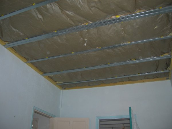 Suite plafond suspendu isolation et peinture renovation - Isolation phonique plafond suspendu ...