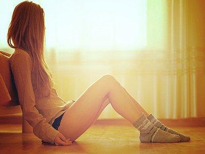 ~ � Il me manque. C'est atroce, il me manque tellement. C'est pas par vagues, c'est constant, tout le temps. Sans r�pit. �