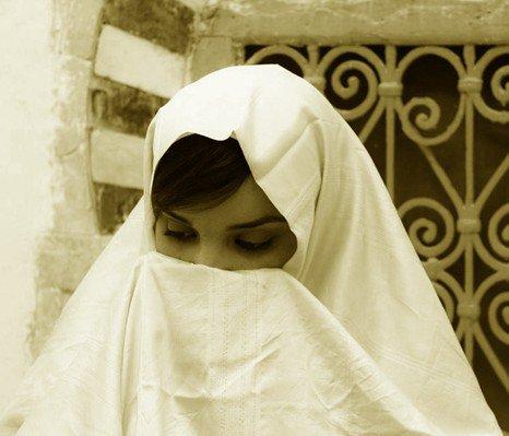 Quand le Haïk manquait du trousseau de la mariée. par Dr Douar