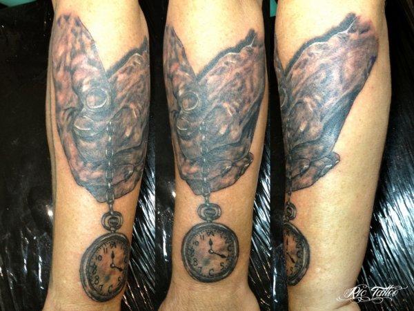 Ric tattoo mains - Montre gousset tatouage ...
