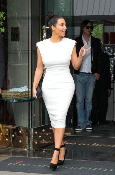 19\05\12 Kim Kardashian aper�ue quittant le club District apr�s �tre all� a l'O2 Arena � Londres
