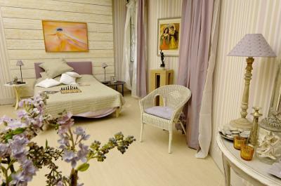 la nouvelle chambre de mirta plus belle la vie. Black Bedroom Furniture Sets. Home Design Ideas