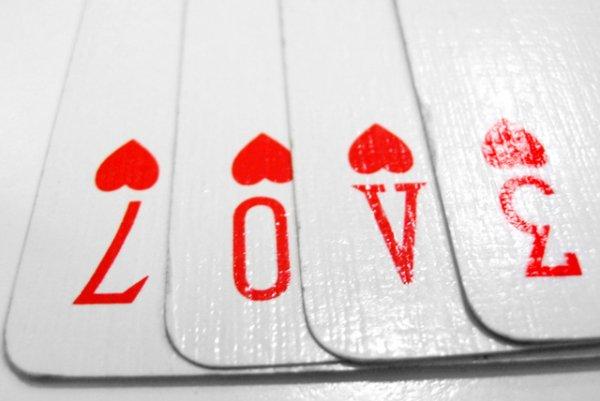 Jeu de cartes... 3124871717_1_3_6giUFig9