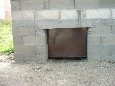 Voici la porte du vide sanitaire la premi re de pos e - Porte acces vide sanitaire ...